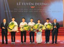 Thủ tướng tuyên dương học sinh đoạt giải quốc tế và kỳ thi THPT quốc gia