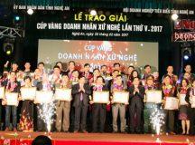 Trao 46 Cúp vàng doanh nhân xứ Nghệ