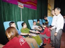 Hơn 800 người tham gia ngày hội hiến máu tình nguyện ở Hoàng Mai