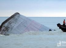 Bán sắt vụn tàu nghìn tấn chìm ở Nghệ An vì không thể trục vớt